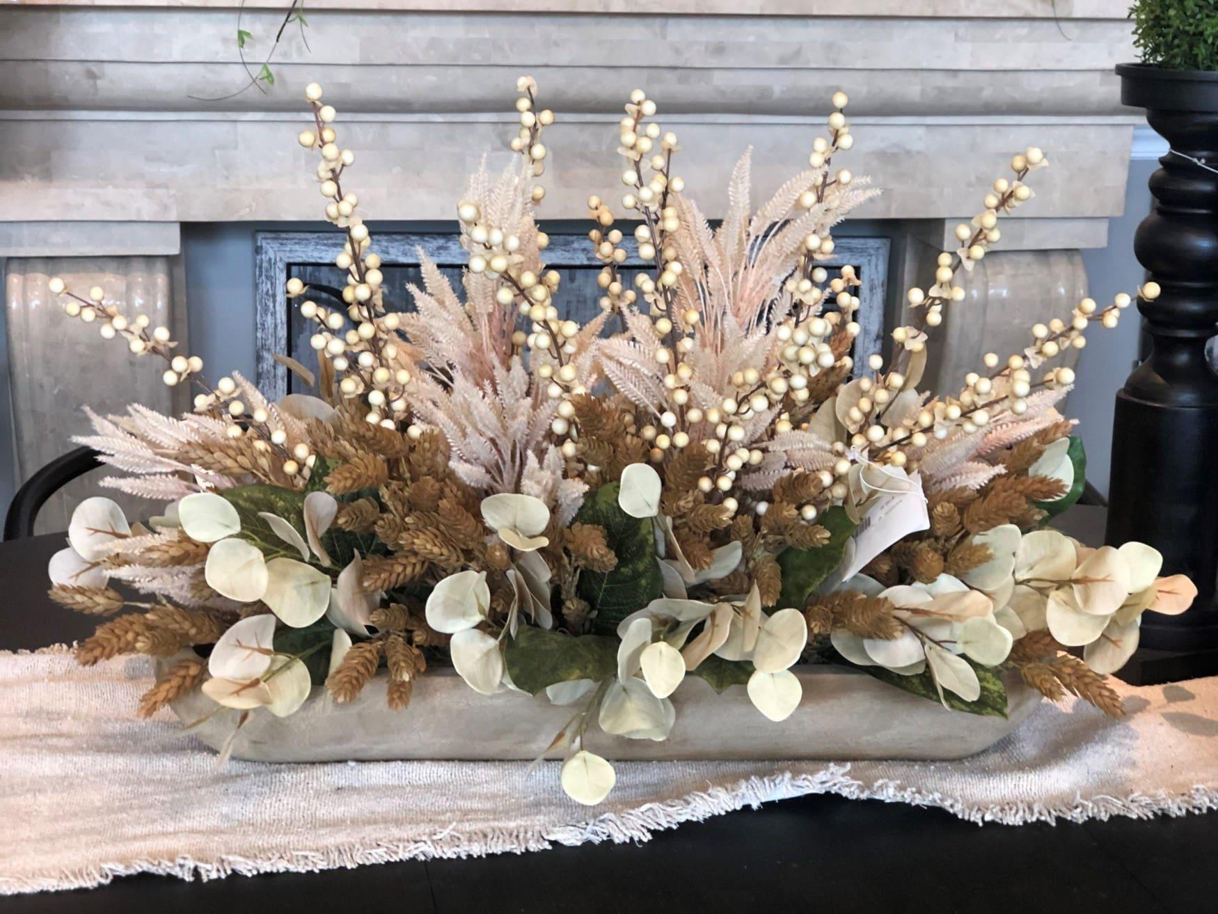 Neutral floral arrangement