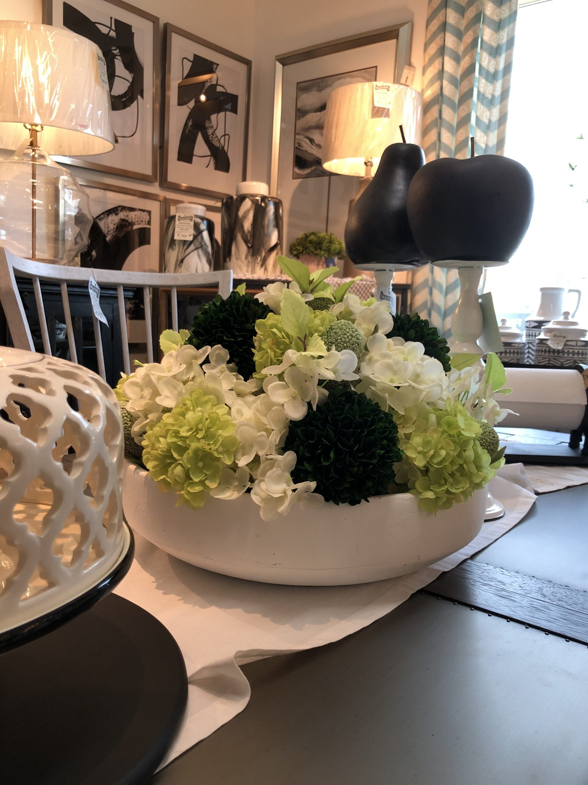 mixed green and white centerpiece